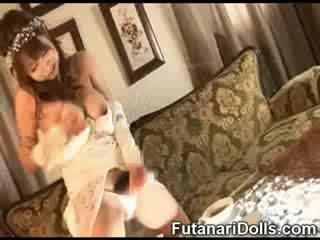 Futanari bruid cumming!