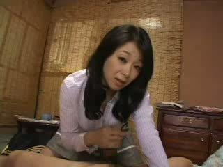 Stepmom catch tôi giật trên cô ấy quần lót video