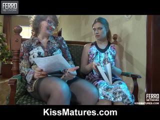 Flo&alana pussyloving mama onto video