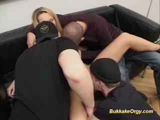 Nemecké blondýna gets masívne bukake