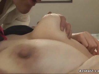Japoniškas milf gets fingered ir pakliuvom uncensored