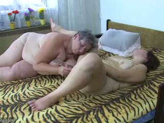 Oldnanny пухка дами masturbate з a іграшка