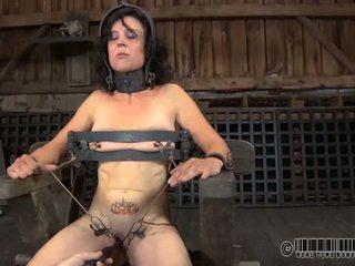 Punishment per babes capezzoli