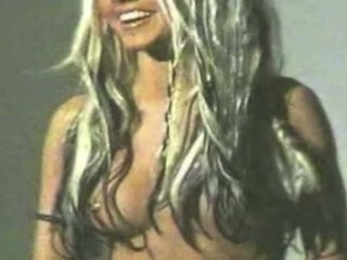 Christina aguilera leaked video - penuh video = bit.ly/1dckolu