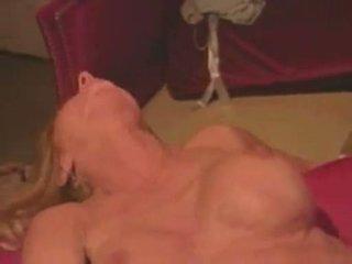 Amber michaels gets a pop load of kumulat päällä hänen stomach