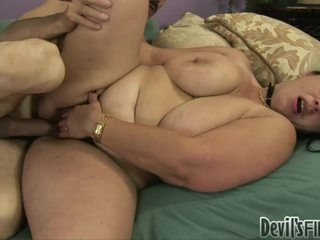 Horny Overweight WoMan Acquires Her Hairy Twat DAmaged By A Stranger