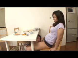 Nhật bản bước đi mẹ với không panty