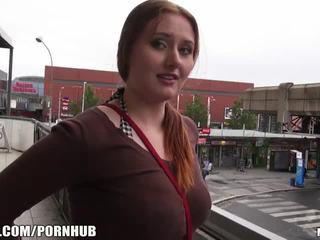 Mofos - rojo pelo, grande tetitas