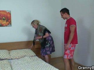 Oigamine granny rides raske meat