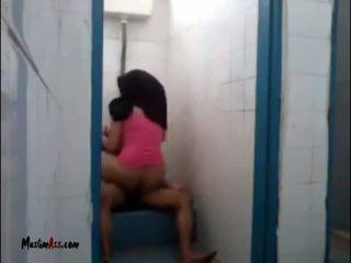Hijab jilbab szex -ban vécé