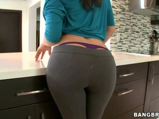 babes posted, big ass movie, full butts