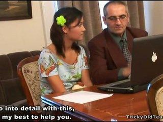 Възбуден учител seducing тийн