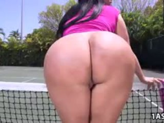 脂肪 尻 kiara mia gets ファック アット a テニス 裁判所