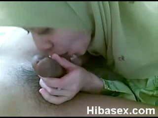 Malay tenåring muslim wearing hijab blowjob henne bf