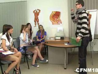 Giáo viên trường học thanh thiếu niên của họ cfnm trừng phạt - nudecams.xyz