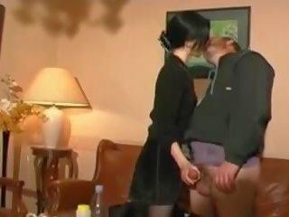 Stp gótica como filha enjoys um completo dia com pai: porno 95