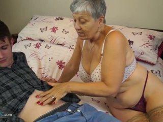 যৌনসঙ্গম, বড় শিশ্ন, বিগ boobs