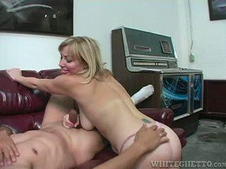 Sexy ludder adrianna nicole explores armhule plus handjob sex