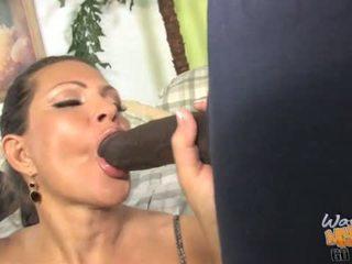 Povekas milf gets ravaged mukaan two dicks sisään etu- of hänen poika