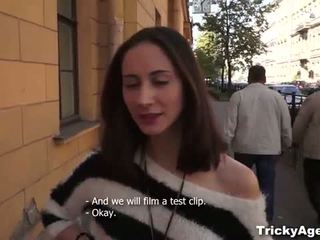 Tricky agent: czeska nastolatka shakti casting