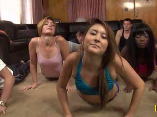 Yoga कक्षा होती हे cancelled जैसा एक daffy xxx पार्टी होती हे taking जगह