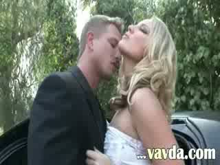 Blond prostitute banged over the Limo