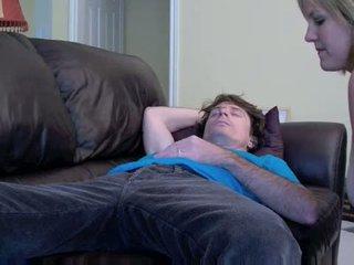 Isteri tidur menghisap zakar video