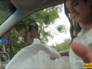 Runaway brud amirah adara pounded med stranger i en bil