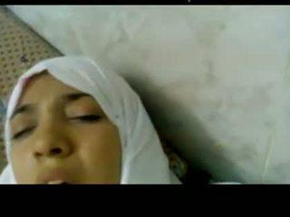 Wonderful müsürli arabic hijab gyz fucked in hassahana -