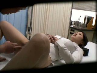 Spycam schoolmeisje misused door dokter 2