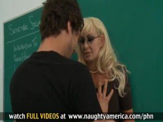 Xander corvus, brittany oneil cochon teachersã¢â€â™ sexe