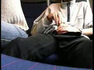 สาธารณะ รถไฟ ใช้ปากกับอวัยวะเพศ วีดีโอ