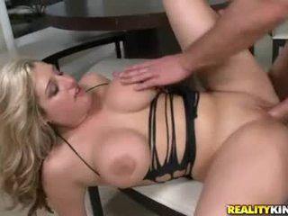 ख़रबूज़े, पूर्ण बड़े स्तन, चेक पॉर्न स्टार ऑनलाइन