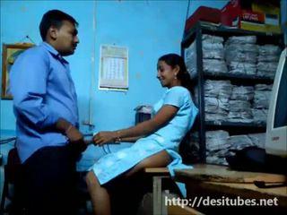 naida, sihteeri, intialainen