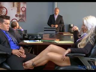 Rambut pirang gadis nakal di itu pertemuan ruang, gratis resolusi tinggi porno 68