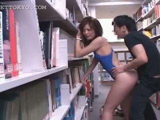 Bibliothèque hardcore baise avec chaud asiatique tramp en