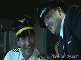 Nadržený pilot gets šťastný s velký kořist blondýnka passenger