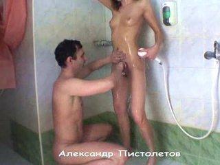 刮 和 性別 在 淋浴