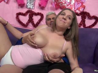 Sexy bruneta alex šance gets ji kočička fingered