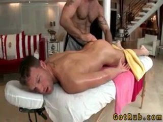 Hunk gets astounding homo تدليك