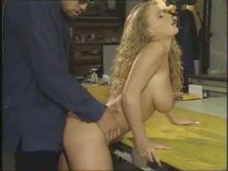 Lydia pirelli is een sexy duits neuken