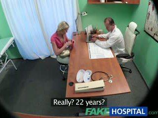Fakehospital esbelta nena wants sexo con doctor