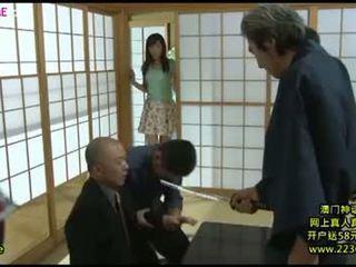 Japoniškas didelis žmona ištvirkęs grupinis išdulkinimas 8