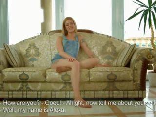 The 18 gads vecs virgin shows viņai himēns un tad masturbates uz priekšējais no the camera!