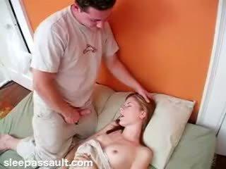 Spiace sister fucked podľa lustful brat