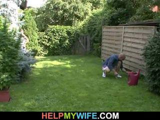 Manželka fucked podle the gardener s manžel tam