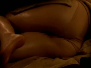 Reluctant אסייתי אישה מזוין על ידי שלה masseur ב מרגל מצלמת