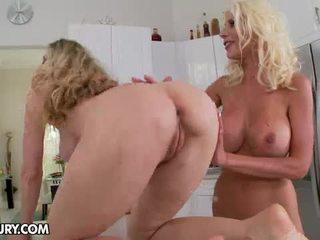 Пряний blondes anita темно і puma swede