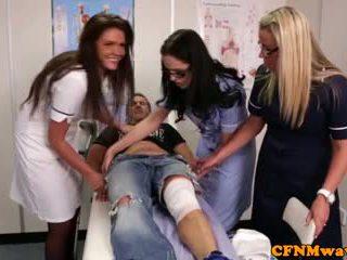 Nurses adele ve emma tugging deli zor