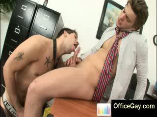 Homo klap banen en goed zoek guys in kantoor suits